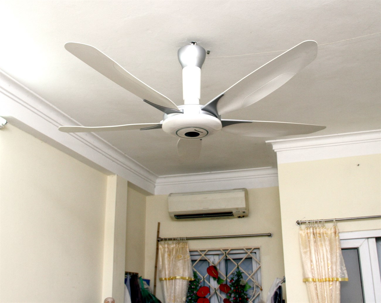 Do not use a powered fan