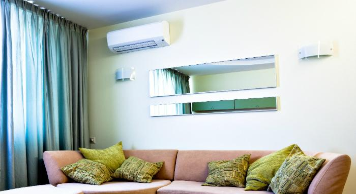 It is recommended to use a moderate air conditioner so that the temperature is evenly distributed in the room