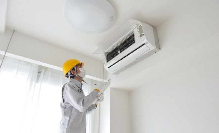 Installing the air conditioner in a hot corner of the wall can cause overload