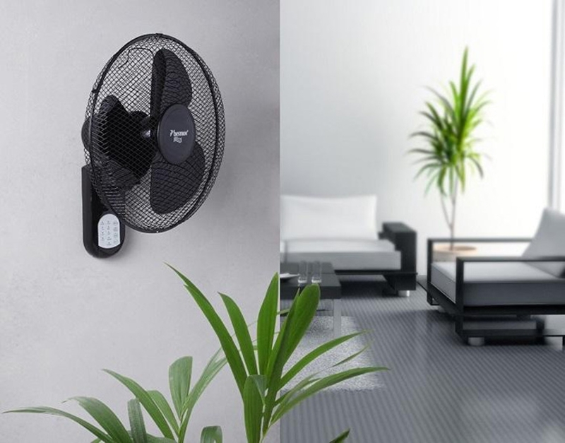 Using parallel wall fan and air conditioner